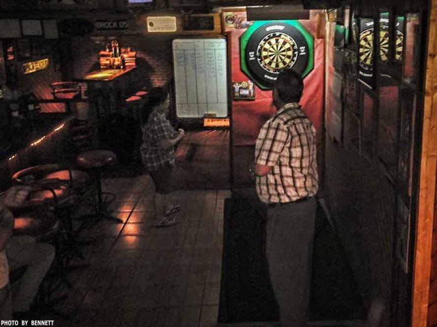 16 Apr Darts Action New Cowboy Bar (5)