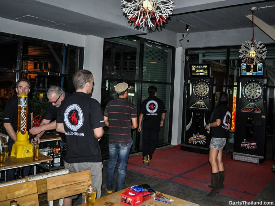 DARTS ACTION - Lomchoy The Roof (13)