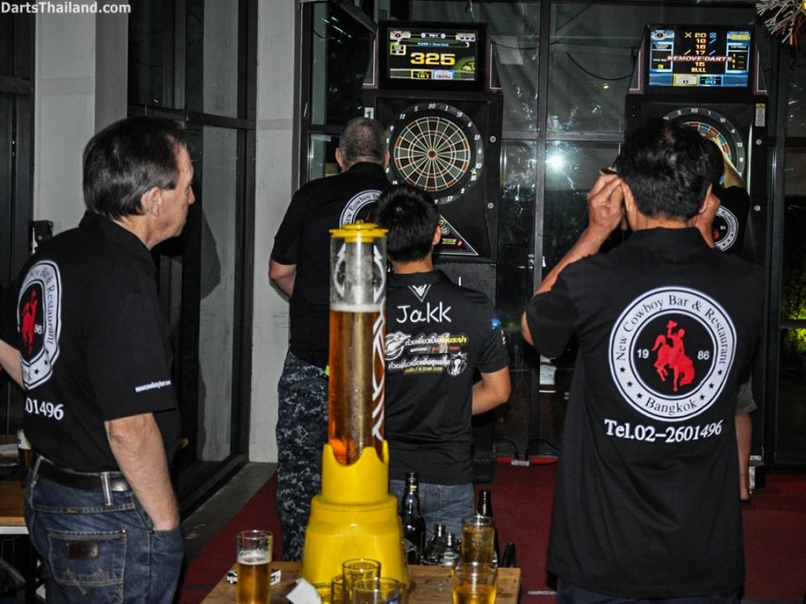 DARTS ACTION - Lomchoy The Roof (8)