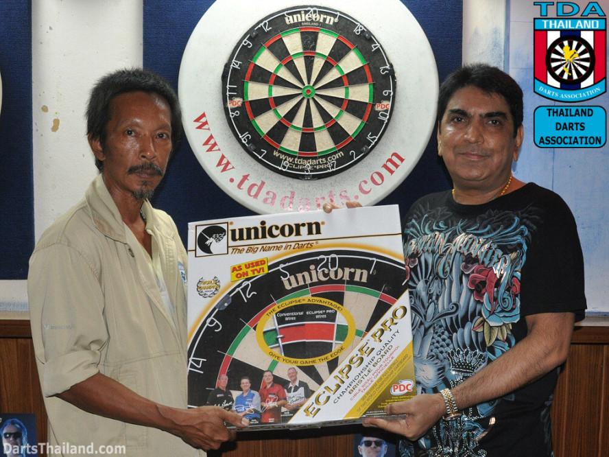 darts-photos-bangkok-thailand-darts-players-darts--leagues-photos-02_june_2011_01
