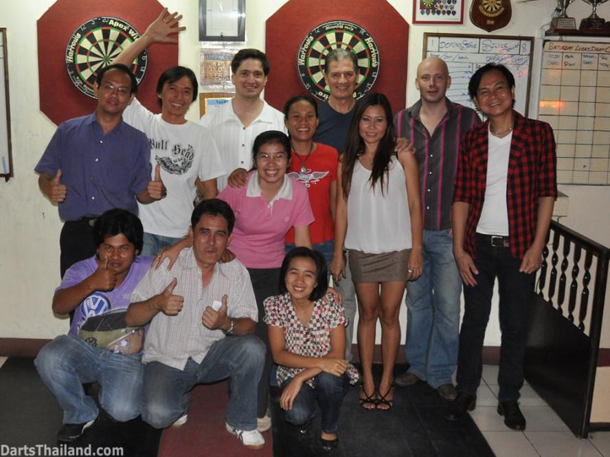 darts-photos-bangkok-thailand-darts-players-darts--leagues-photos-03_june_2011_002