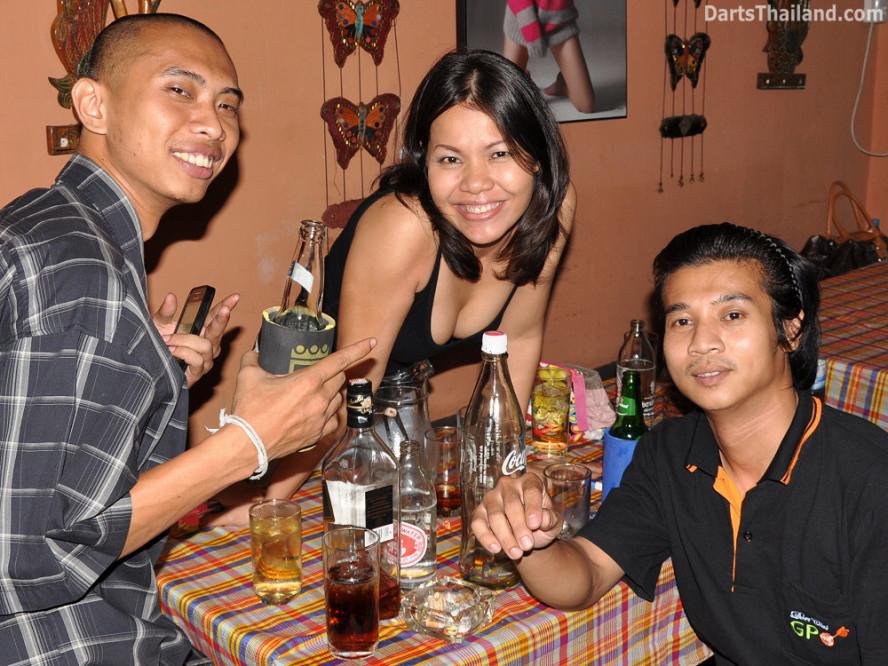 darts-photos-bangkok-thailand-darts-players-darts--leagues-photos-05_july_2011_004