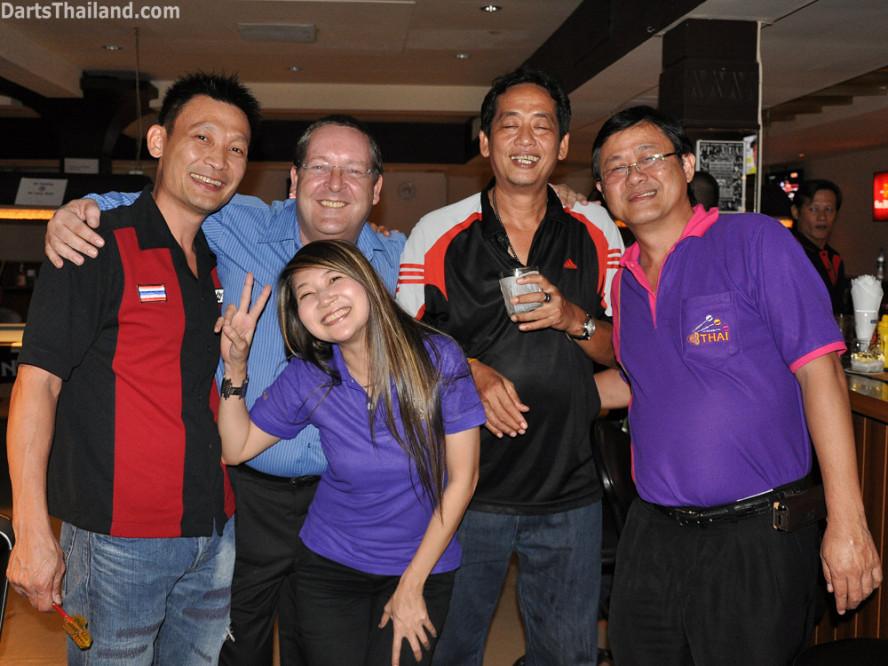 darts-photos-bangkok-thailand-darts-players-darts--leagues-photos-07_july_2011_006