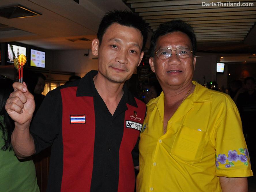 darts-photos-bangkok-thailand-darts-players-darts--leagues-photos-07_july_2011_008