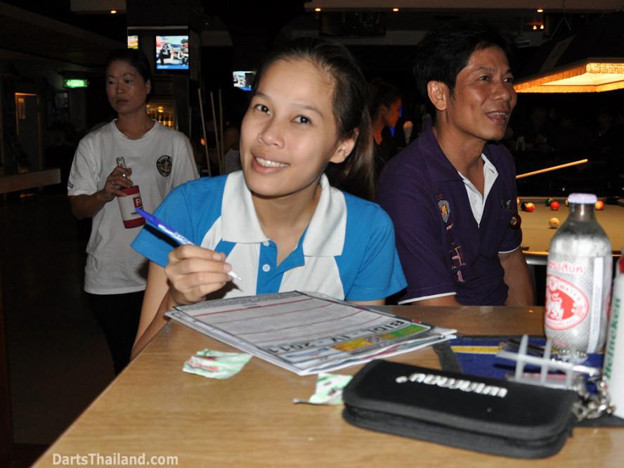 darts-photos-bangkok-thailand-darts-players-darts--leagues-photos-07_july_2011_009