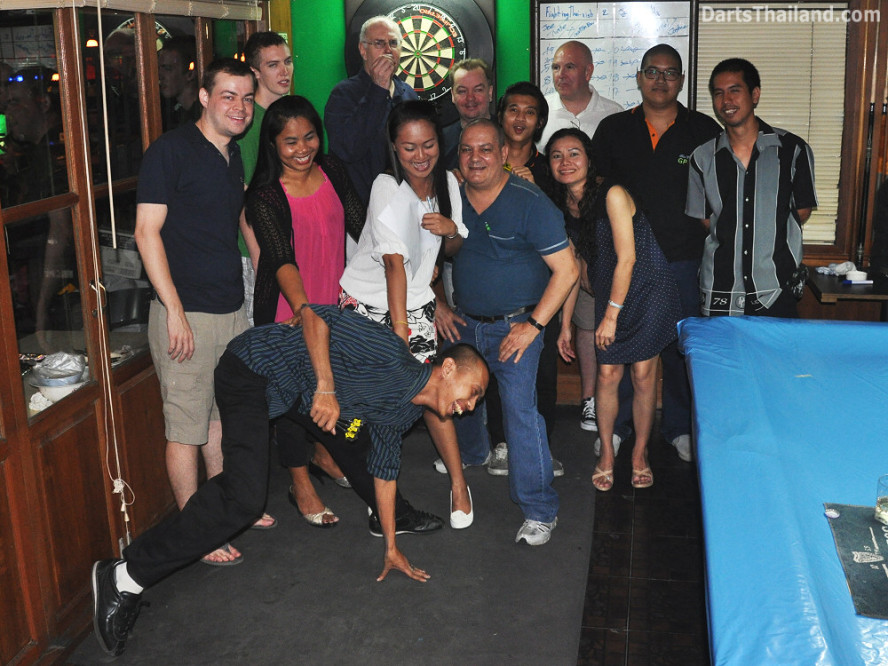 darts-photos-bangkok-thailand-darts-players-darts--leagues-photos-21_june_2011_002