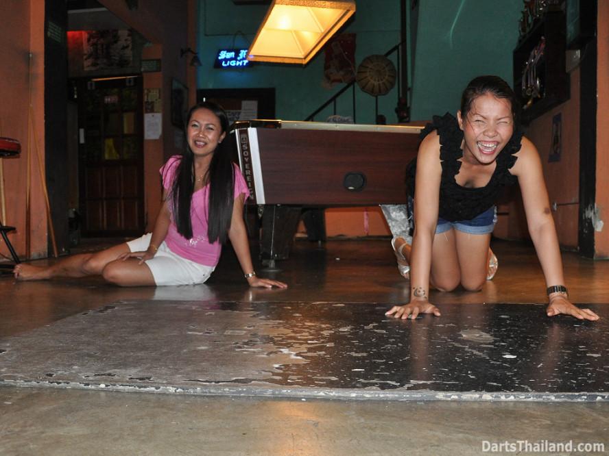 darts-photos-bangkok-thailand-darts-players-darts--leagues-photos-23_june_2011_008