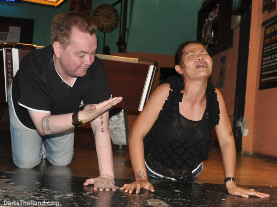 darts-photos-bangkok-thailand-darts-players-darts--leagues-photos-23_june_2011_019
