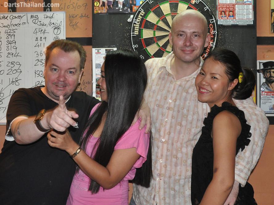 darts-photos-bangkok-thailand-darts-players-darts--leagues-photos-23_june_2011_024