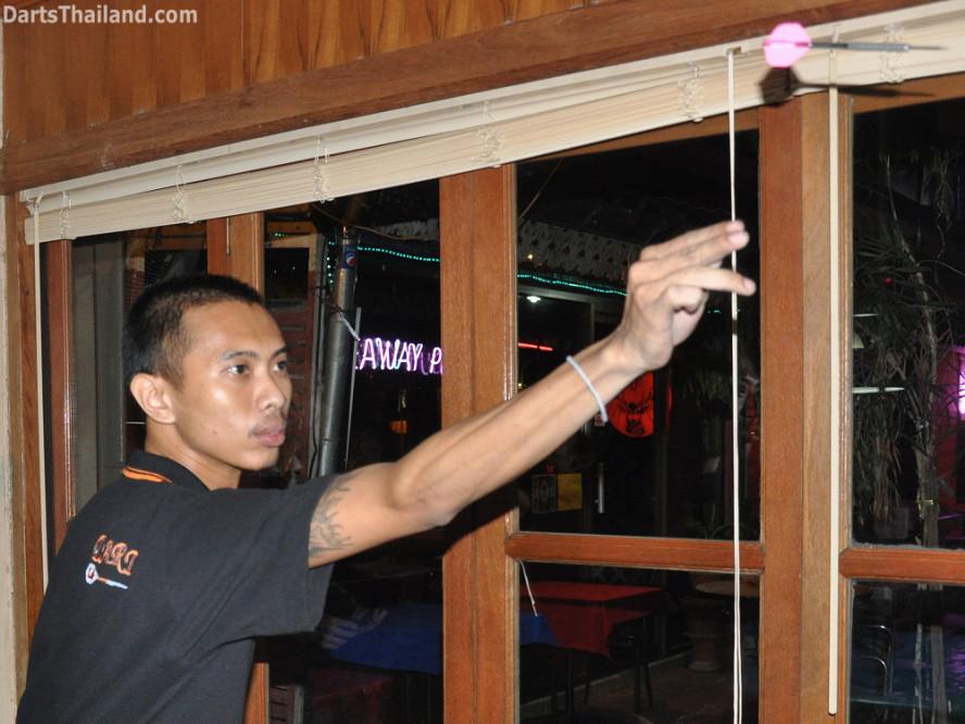 darts-photos-bangkok-thailand-darts-players-darts--leagues-photos-24_may_2011_corner_bar_003