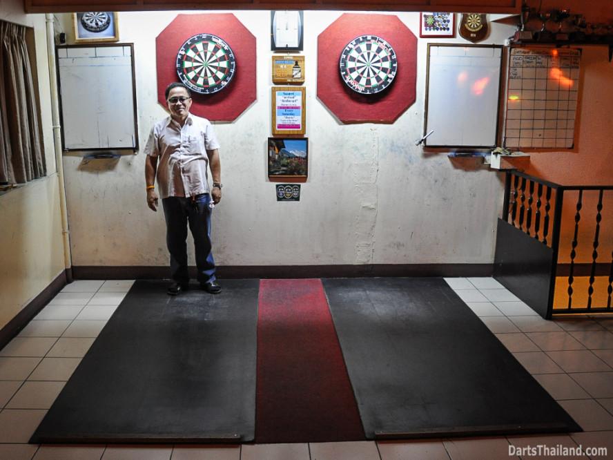 darts_domino_bar_saturday_bangkok_sukhumvit_soi_11_thailand_20