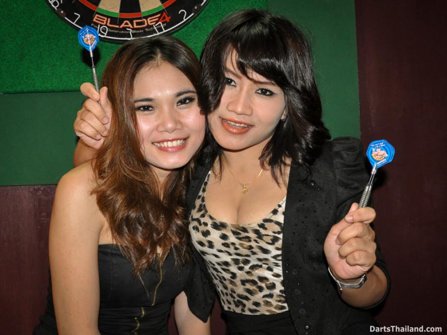 dm_002_sexy_darts_ploy_liza_sukhumvit_soi_22_beautiful_charming_lady_bangkok