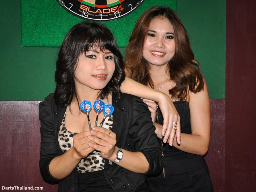 dm_003_sexy_darts_ploy_liza_sukhumvit_soi_22_beautiful_charming_lady_bangkok