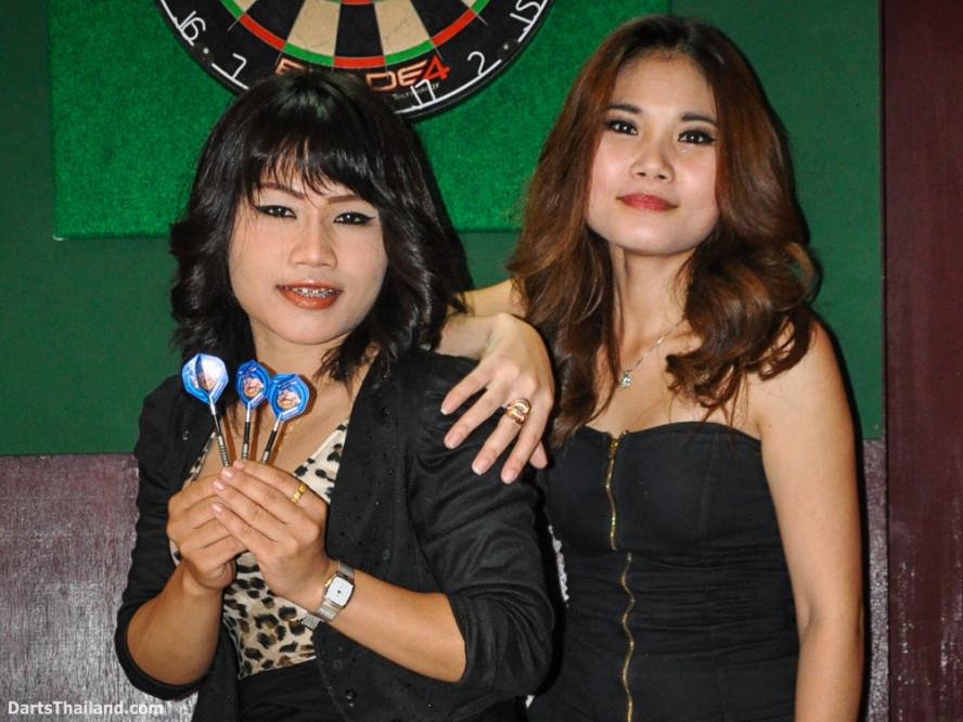 dm_007_sexy_darts_ploy_liza_sukhumvit_soi_22_beautiful_charming_lady_bangkok