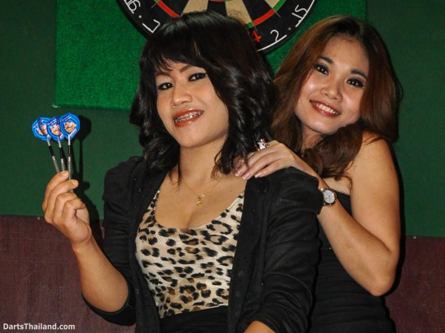 dm_008_sexy_darts_ploy_liza_sukhumvit_soi_22_beautiful_charming_lady_bangkok
