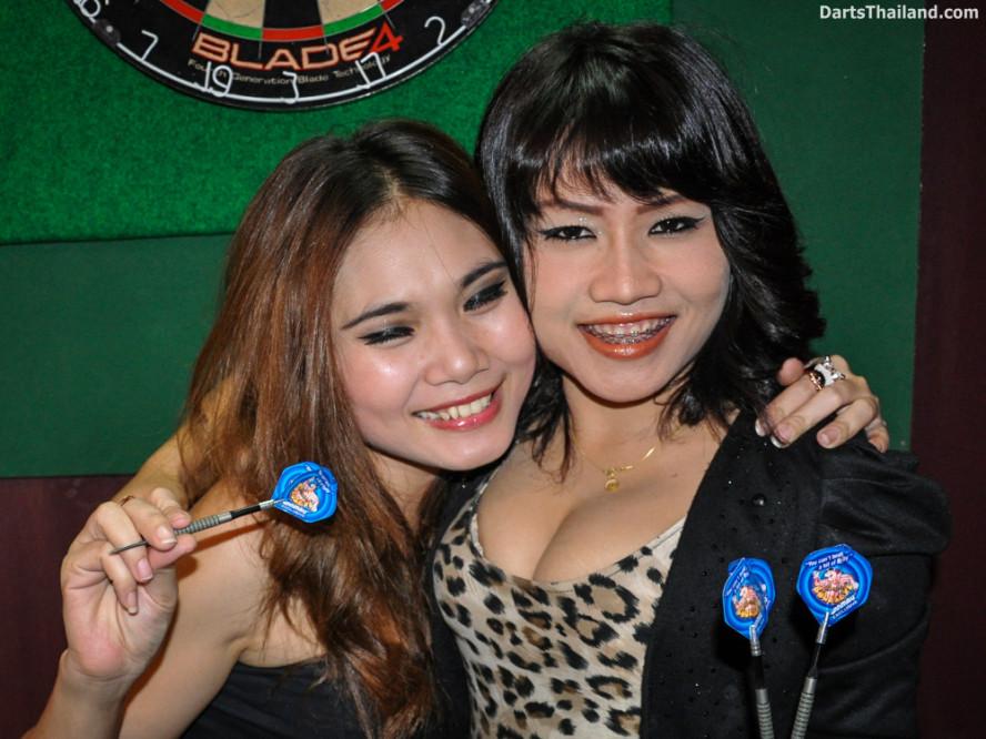 dm_009_sexy_darts_ploy_liza_sukhumvit_soi_22_beautiful_charming_lady_bangkok