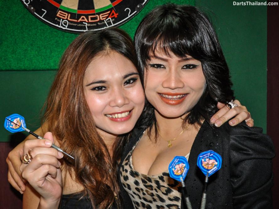 dm_010_sexy_darts_ploy_liza_sukhumvit_soi_22_beautiful_charming_lady_bangkok