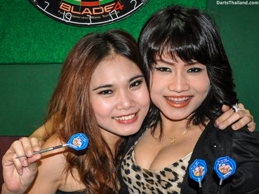 dm_011_sexy_darts_ploy_liza_sukhumvit_soi_22_beautiful_charming_lady_bangkok