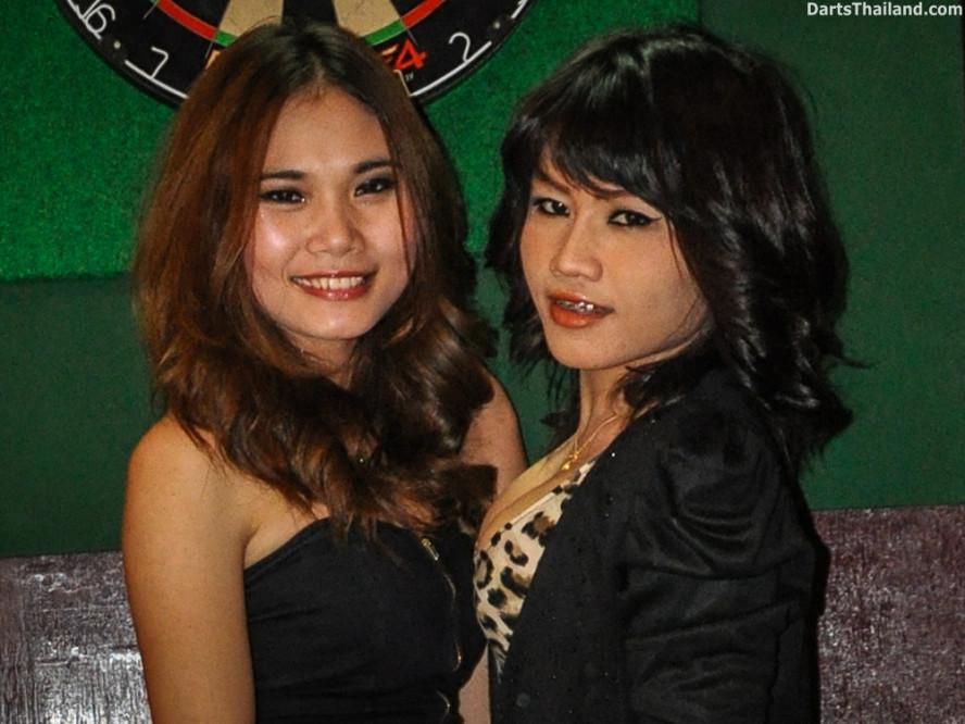 dm_017_sexy_darts_ploy_liza_sukhumvit_soi_22_beautiful_charming_lady_bangkok