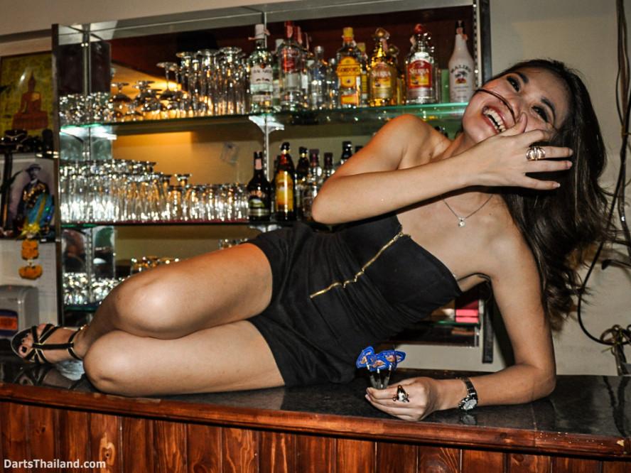 dm_026_sexy_darts_photo_ploy_liza_sukhumvit_soi_22_beautiful_charming_lady_bangkok