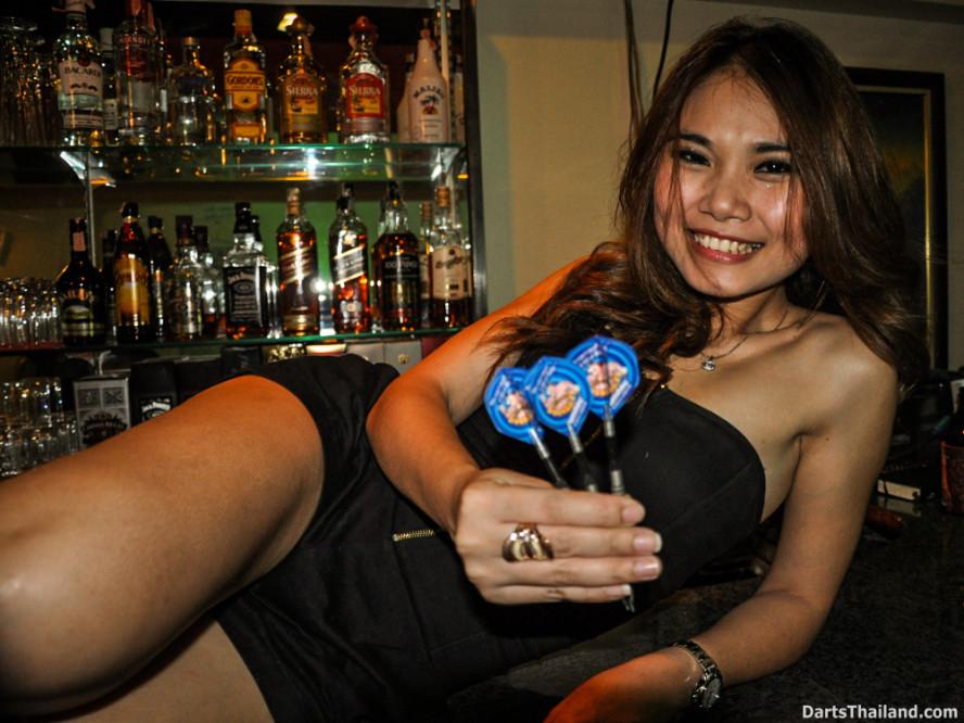 dm_027_sexy_darts_photo_ploy_liza_sukhumvit_soi_22_beautiful_charming_lady_bangkok
