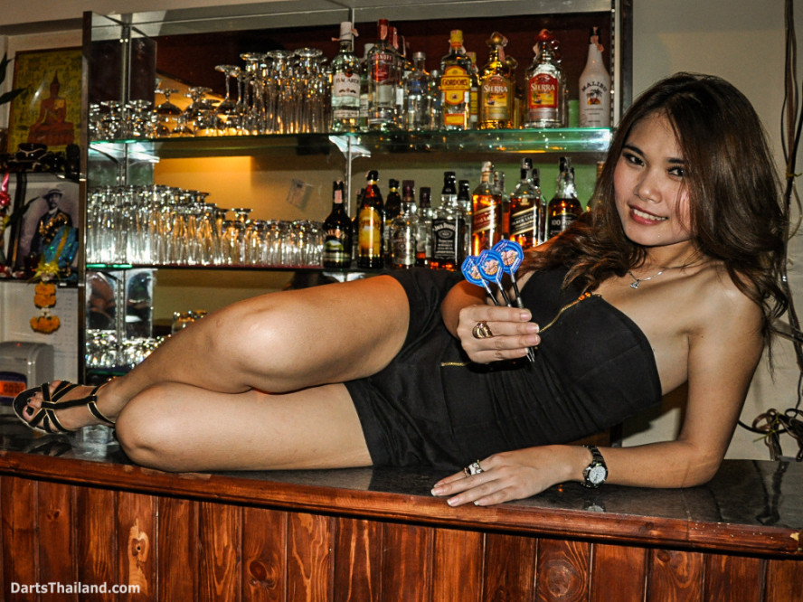 dm_028_sexy_darts_photo_ploy_liza_sukhumvit_soi_22_beautiful_charming_lady_bangkok