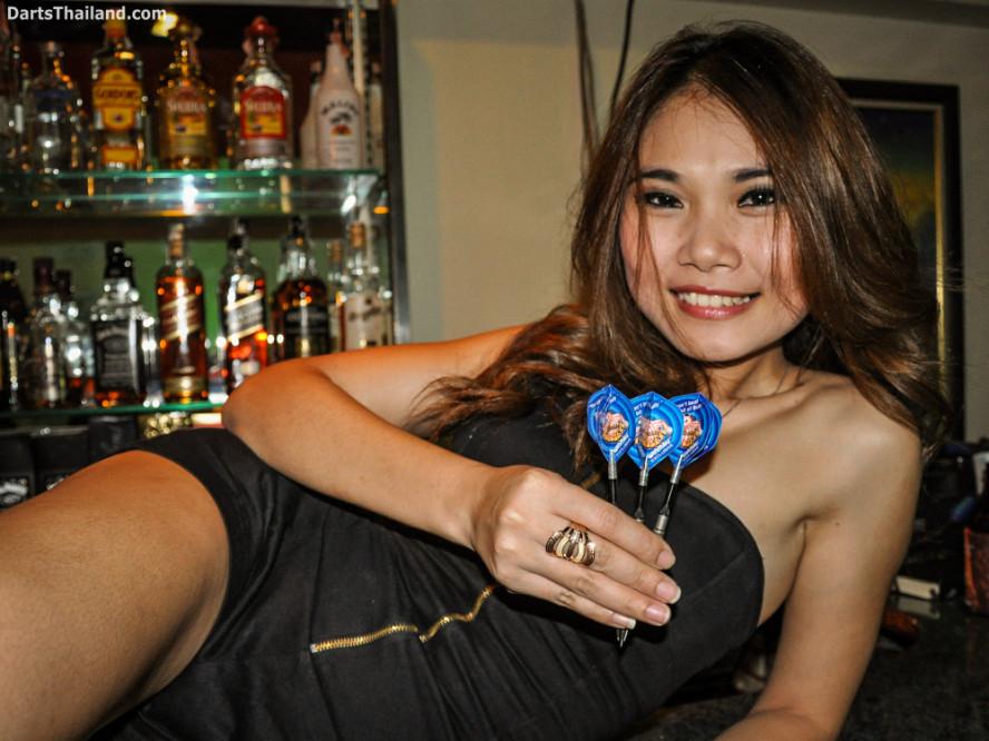 dm_029_sexy_darts_photo_ploy_liza_sukhumvit_soi_22_beautiful_charming_lady_bangkok