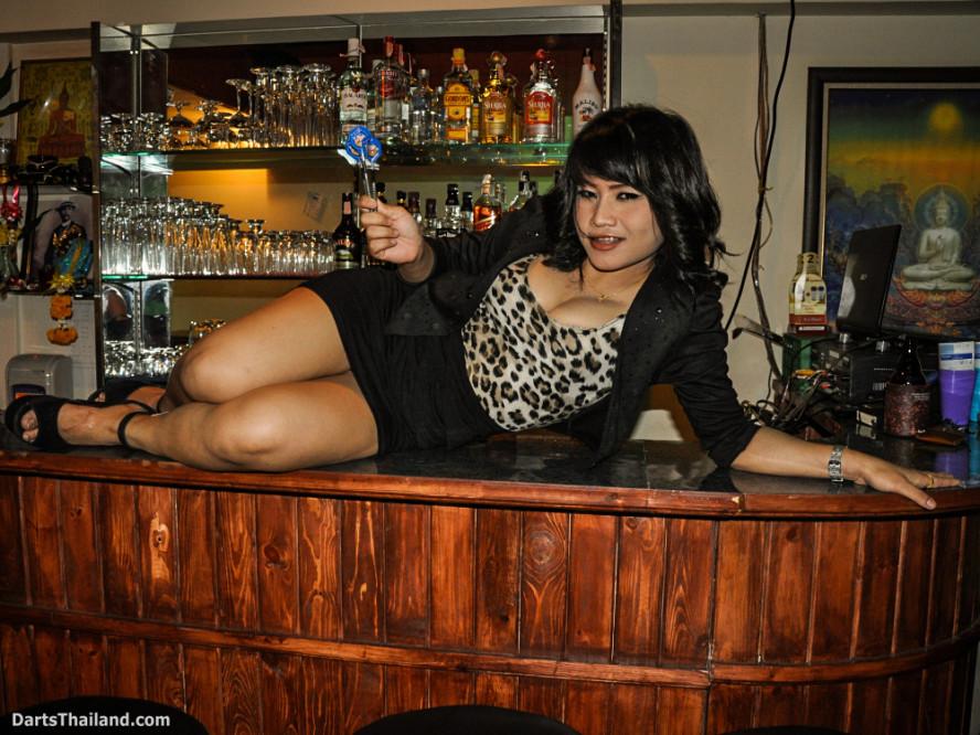 dm_032_sexy_darts_photo_ploy_liza_sukhumvit_soi_22_beautiful_charming_lady_bangkok