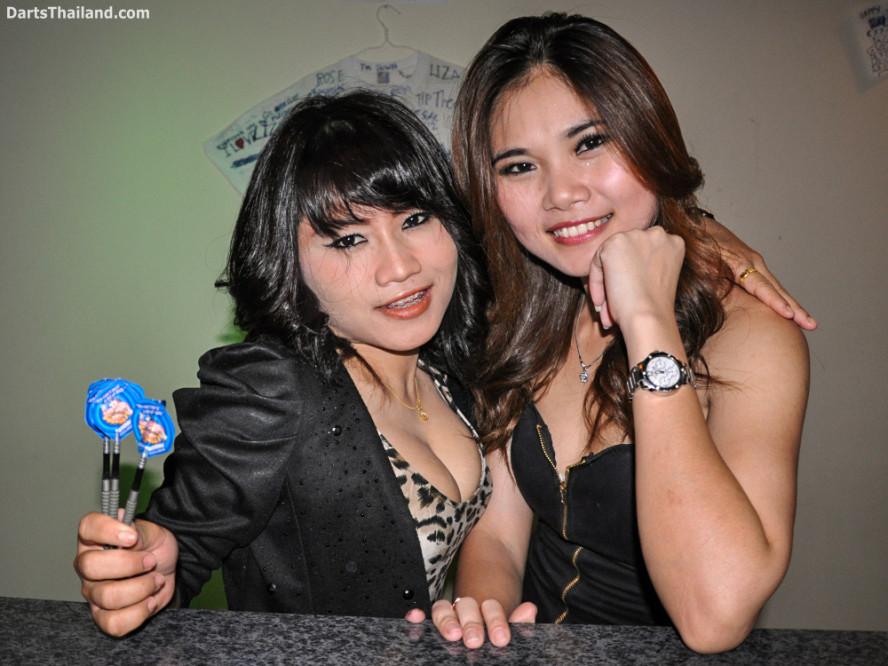dm_035_sexy_darts_photo_ploy_liza_sukhumvit_soi_22_beautiful_charming_lady_bangkok