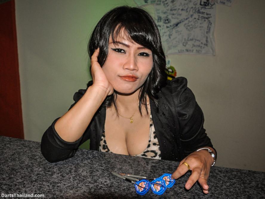 dm_040_sexy_darts_photo_ploy_liza_sukhumvit_soi_22_beautiful_charming_lady_bangkok
