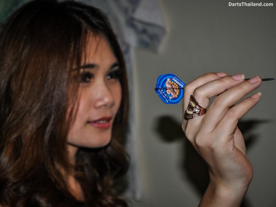 dm_043_sexy_darts_photo_ploy_liza_sukhumvit_soi_22_beautiful_charming_lady_bangkok