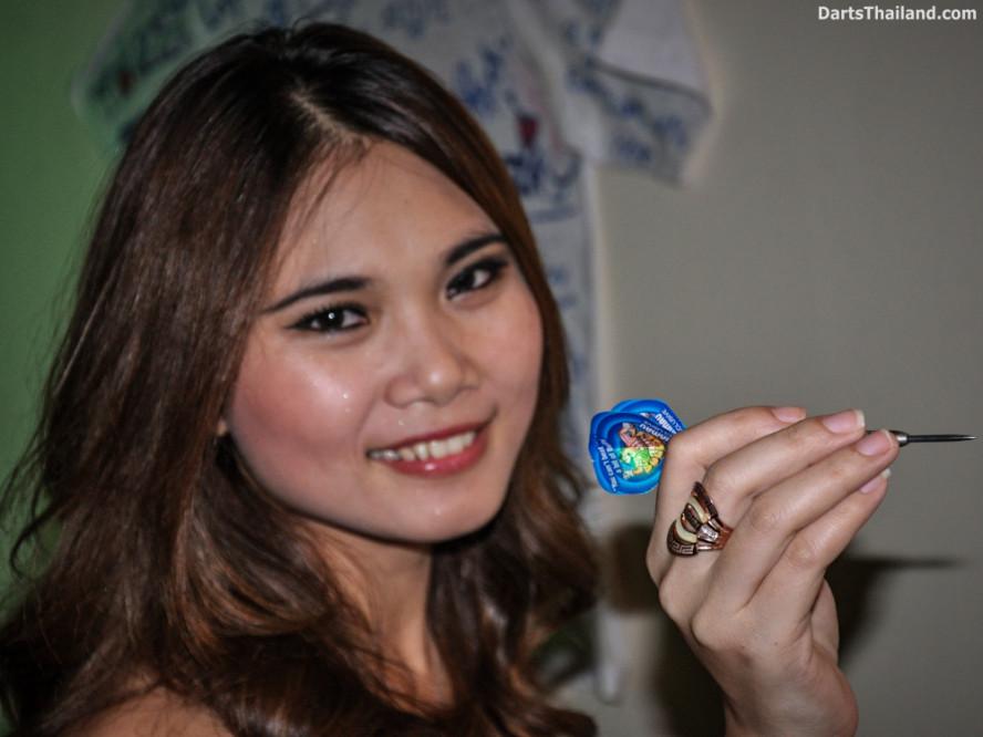dm_045_sexy_darts_photo_ploy_liza_sukhumvit_soi_22_beautiful_charming_lady_bangkok