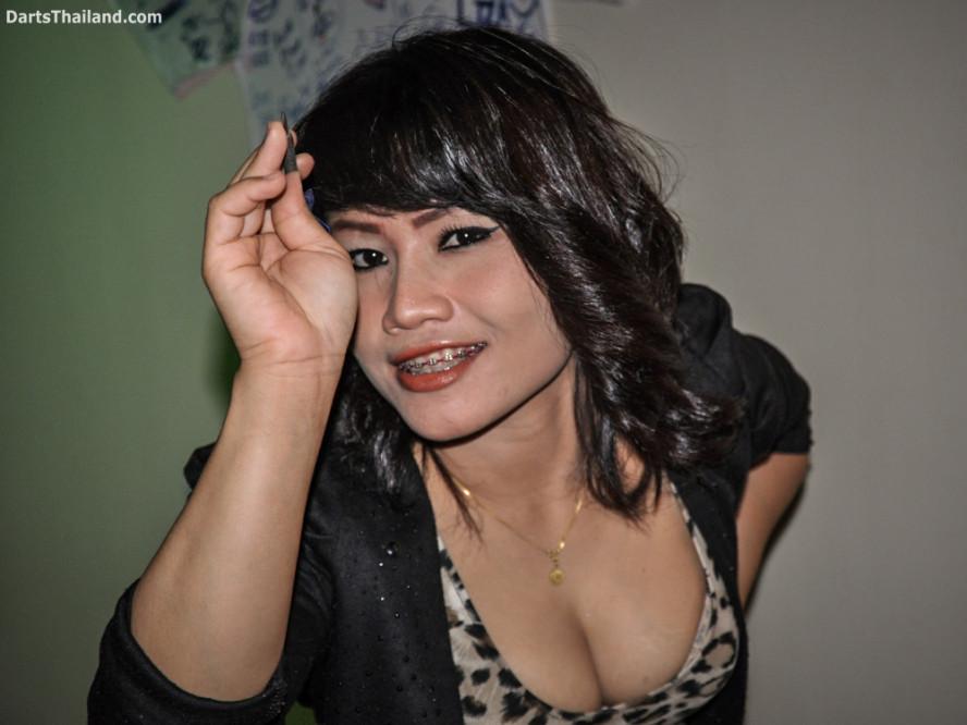 dm_048_sexy_darts_photo_ploy_liza_sukhumvit_soi_22_beautiful_charming_lady_bangkok