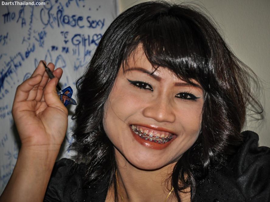 dm_049_sexy_darts_photo_ploy_liza_sukhumvit_soi_22_beautiful_charming_lady_bangkok