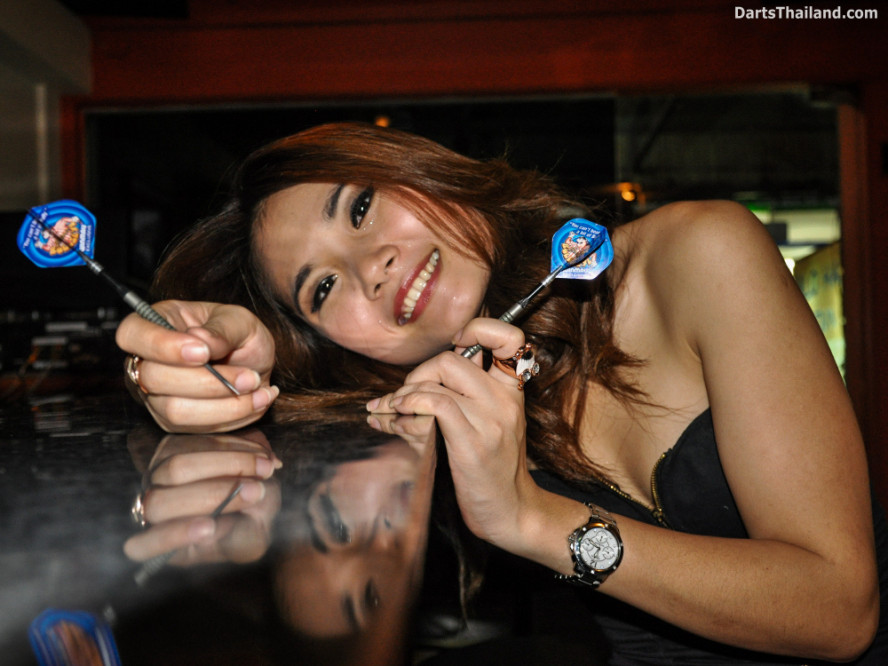 dm_053_sexy_darts_photo_ploy_liza_sukhumvit_soi_22_beautiful_charming_lady_bangkok