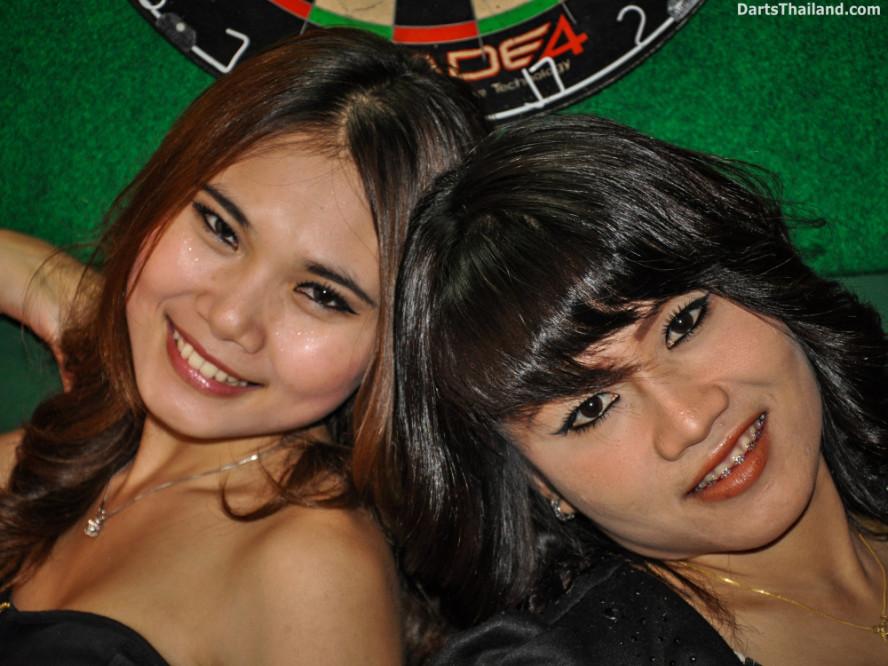 dm_055_sexy_darts_photo_ploy_liza_sukhumvit_soi_22_beautiful_charming_lady_bangkok
