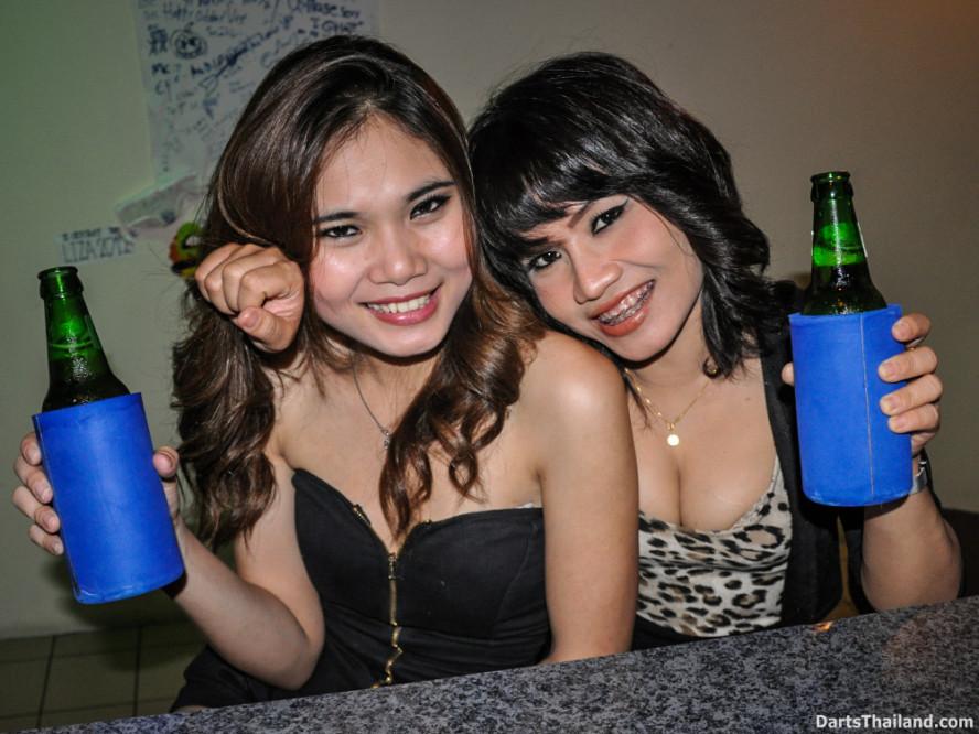 dm_061_sexy_darts_photo_ploy_liza_sukhumvit_soi_22_beautiful_charming_lady_bangkok