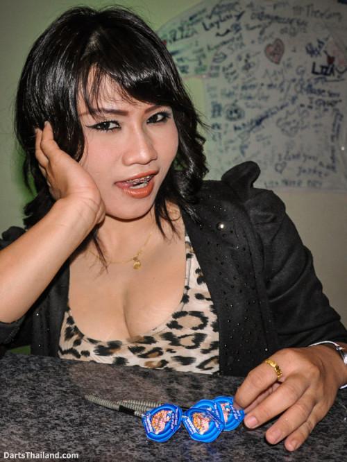 dm_063_sexy_darts_photo_ploy_liza_sukhumvit_soi_22_beautiful_charming_lady_bangkok