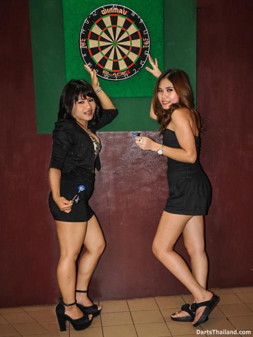 dm_070_sexy_darts_photo_ploy_liza_sukhumvit_soi_22_beautiful_charming_lady_bangkok