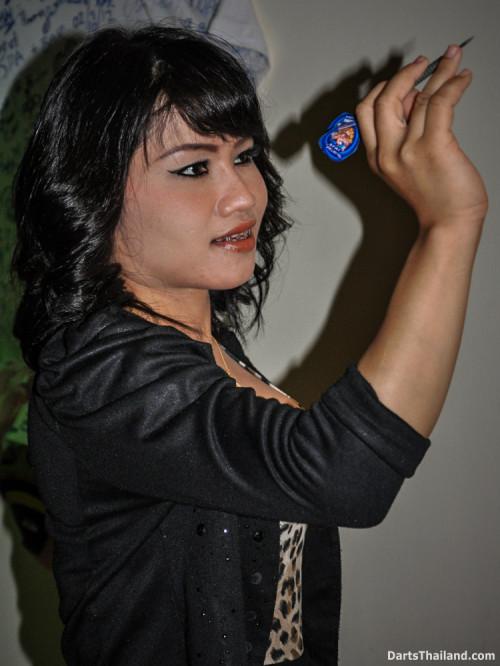 dm_072_sexy_darts_photo_ploy_liza_sukhumvit_soi_22_beautiful_charming_lady_bangkok