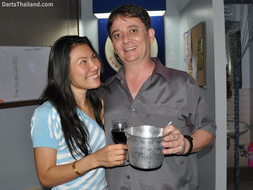 dt1595_charinee_scott_dart_photo_bangkok_sukhumvit_soi_22