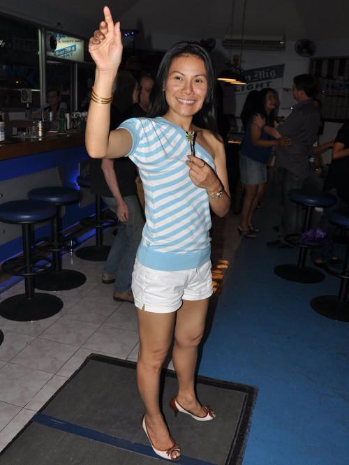 dt1635_charinee_dart_team_aloha_bar_bangkok