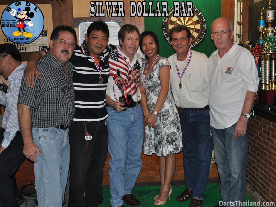 dt1652_bmdl_bangkok_mickey_mouse_dart_league_silver_dollar_team