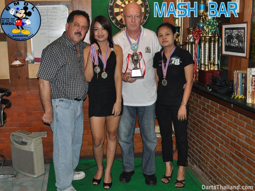 dt1655_bmdl_bangkok_mickey_mouse_dart_league_mash_team