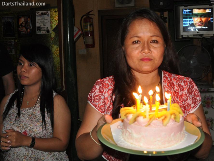 dt1667_bmdl_dart_birthday_moonshine_sukhumvit_soi_22_bangkok