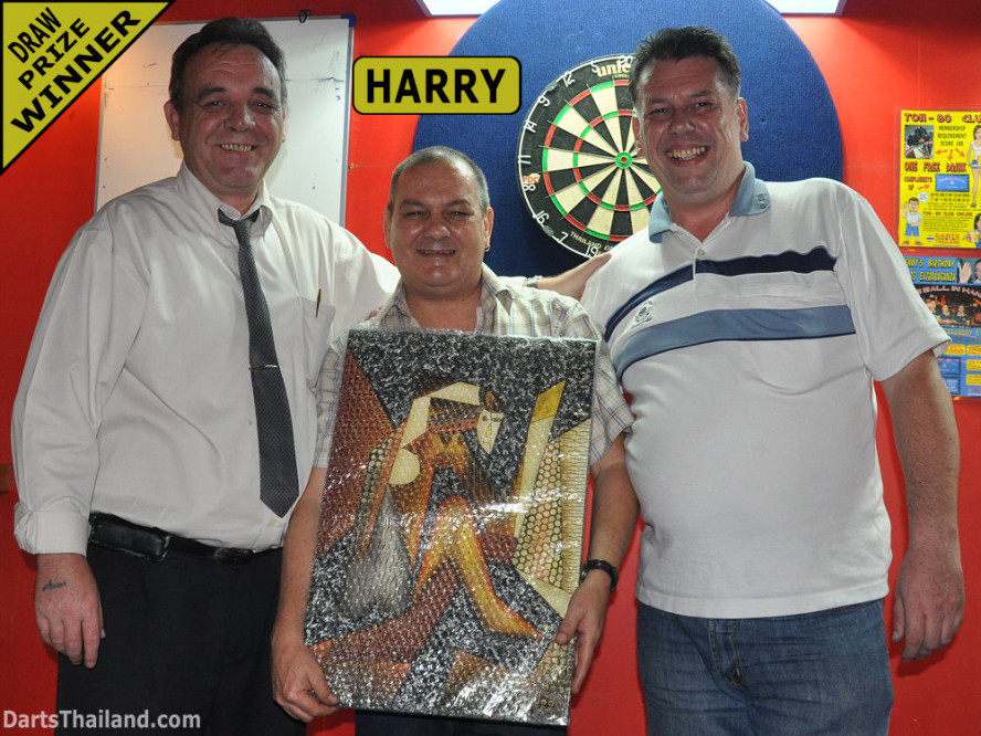 dt1771_darts_kenny_harry_neill_ball_in_hand_sukhumvit_soi_4_bangkok