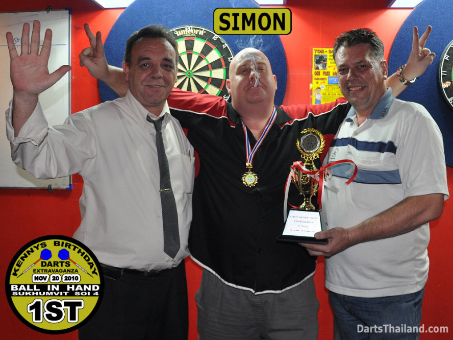 dt1778_darts_kenny_simon_neill_ball_in_hand_sukhumvit_soi_4_bangkok