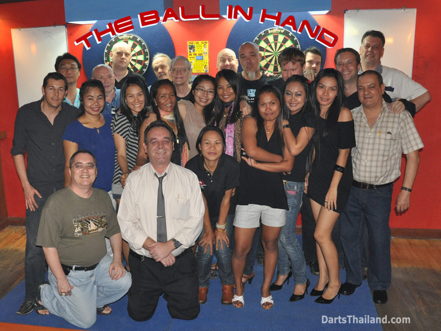 dt1786_darts_ball_in_hand_sukhumvit_soi_4_bangkok