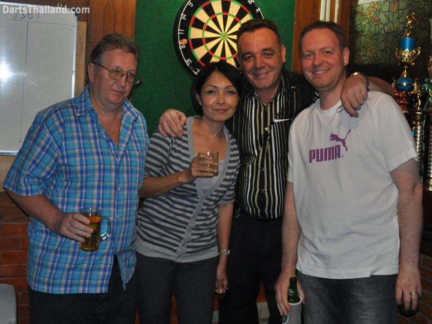 dt1796_colin_sorn_kenny_trond_darts_knockout_moonshine_sukhumvit_soi_22_bangkok