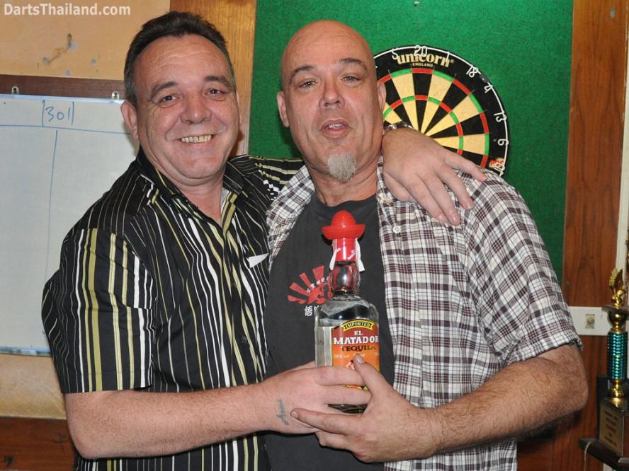 dt1804_kenny_ktd_tequila_darts_pro_knockout_moonshine_sukhumvit_soi_22_bangkok